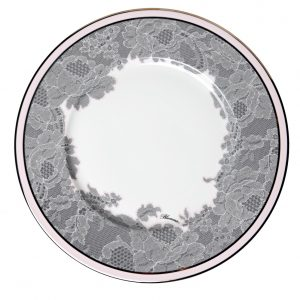 ROSE LACE CHARGER PLATE